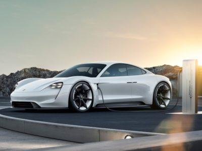 Le modèle S de Tesla a enfin un challenger : la Porsche Taycan