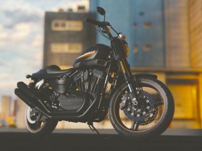Tracker GPS moto : 5 raisons d'équiper une Yamaha d'un dispositif de suivi GPS pour l'été
