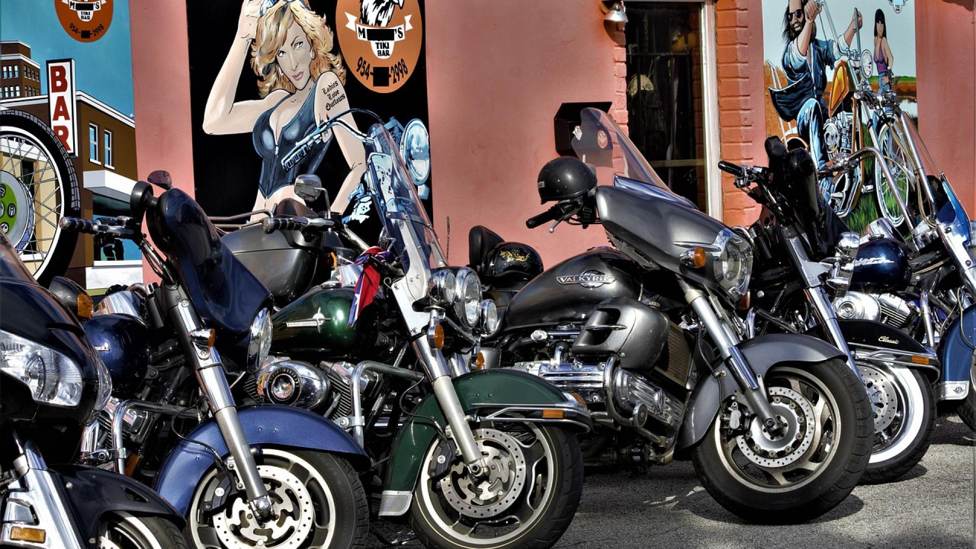 Quels sont les accessoires moto indispensables ?